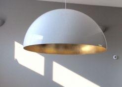 Hoogglans witte koepellamp 90cm